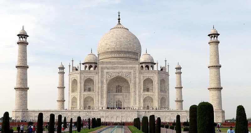 Top 10 Most Amazing Historical Monuments Of India The