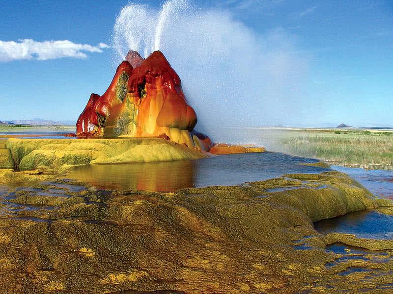 spectaculer fly geyser